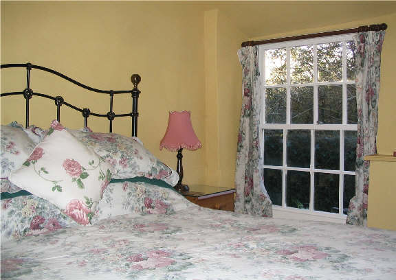 The Linhay Bedroom 2 - Accommodation Tiverton